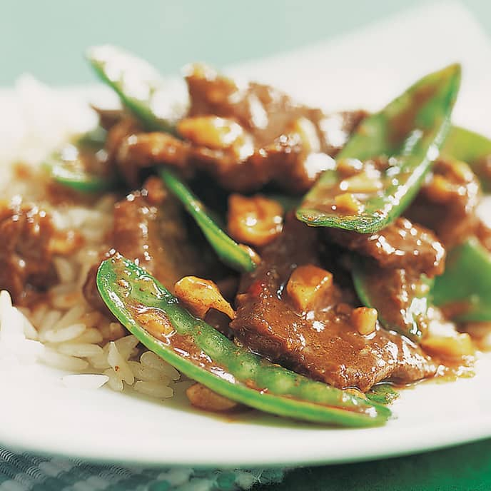 Stir-Fried Beef with Snow Peas and Cashews