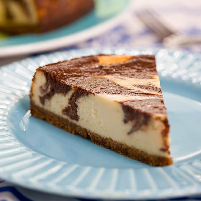 Low-Fat Chocolate Marble Cheesecake