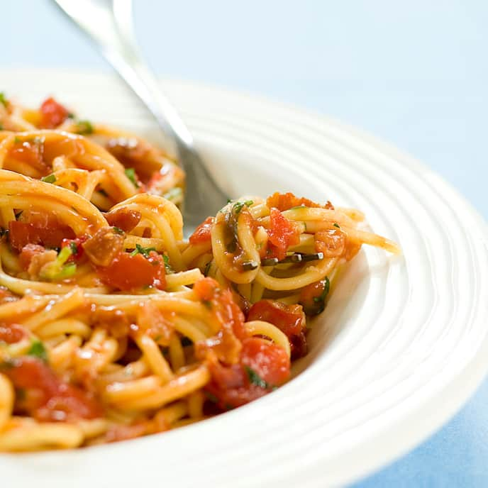 Pasta with Tomato, Bacon, and Onion