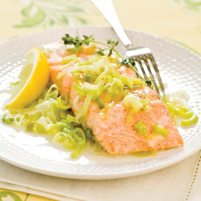Salmon en Cocotte with Leeks and White Wine