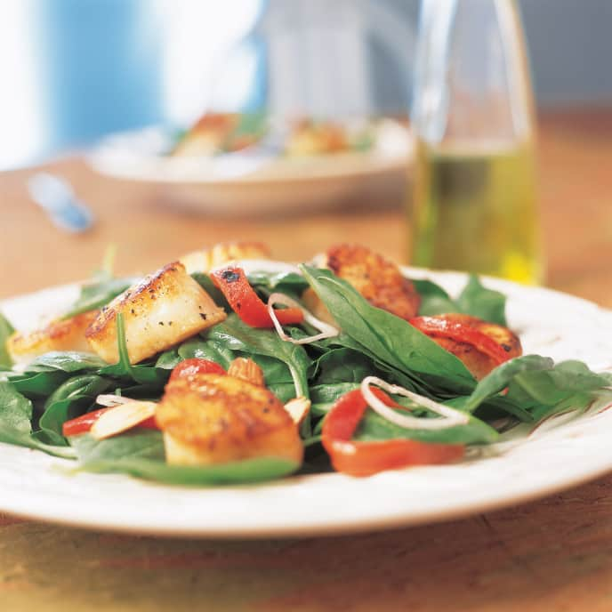 Warm Spinach Salad with Seared Scallops and Roasted Pepper Vinaigrette