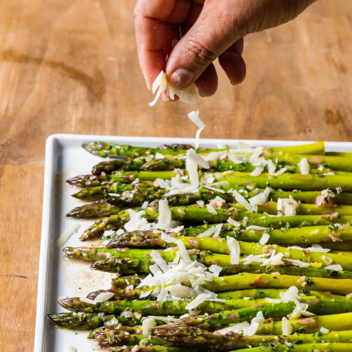 Asparagus Baked in Foil with Parmesan and Thyme