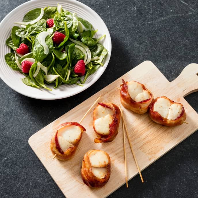 Air-Fryer Bacon-Wrapped Scallops with Spinach, Fennel, and Raspberry Salad