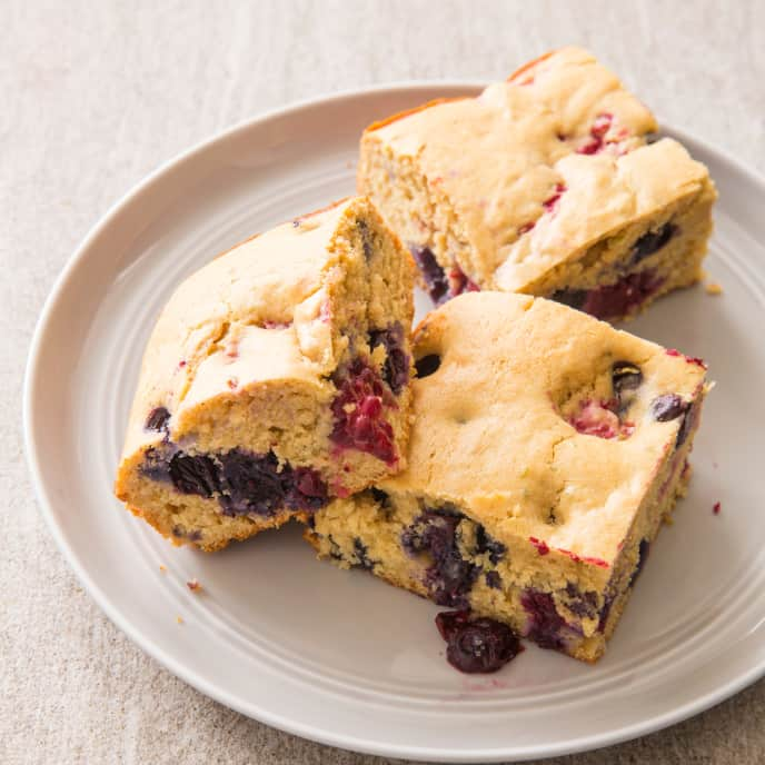 Berry Snack Cake (Reduced Sugar)