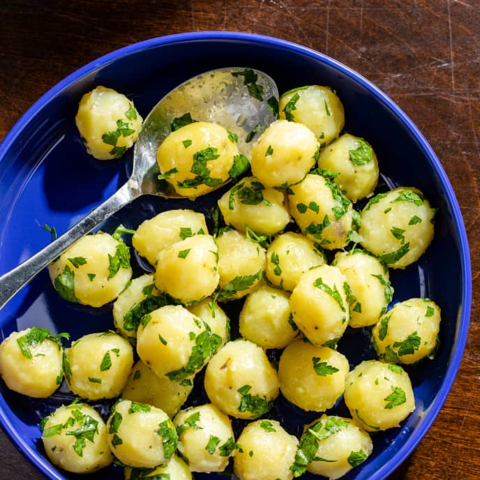 Boiled Potatoes with Butter and Parsley