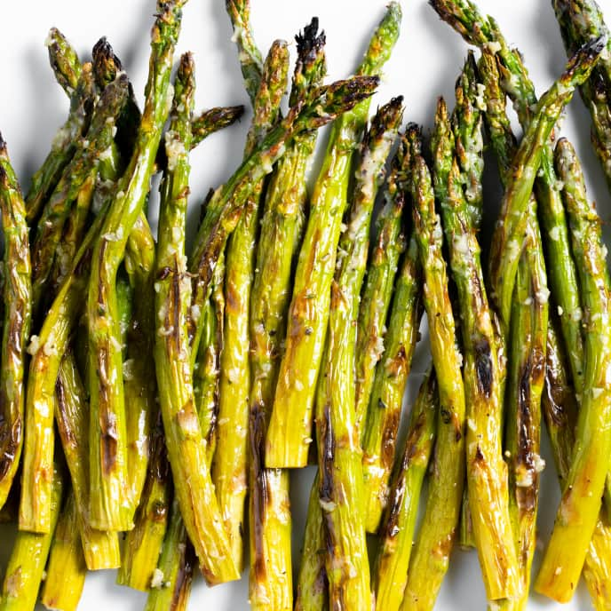 Broiled Asparagus with Garlic-Butter Sauce