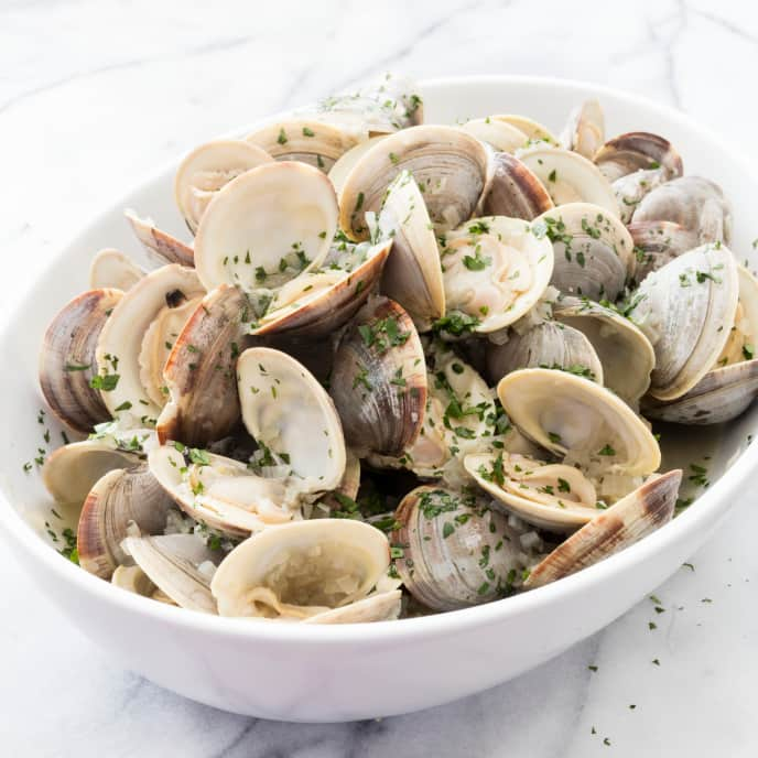 Clams Steamed in Beer