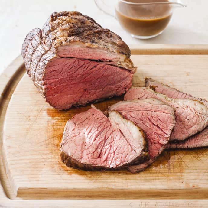 Cast Iron Classic Roast Beef with Gravy