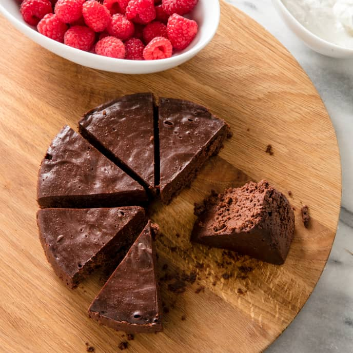 Slow-Cooker Flourless Chocolate Cake