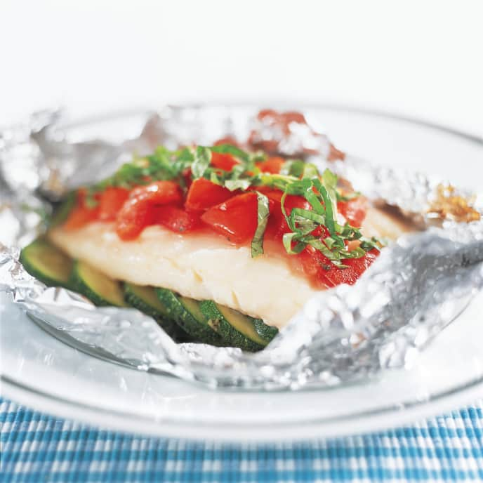 Cod Baked in Foil with Zucchini and Tomatoes