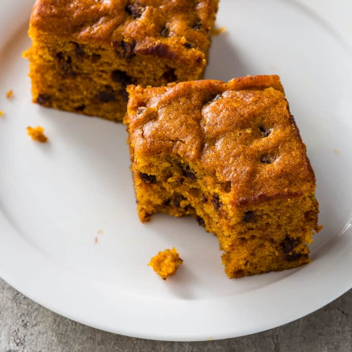 Pumpkin-Chocolate Chip Snack Cake