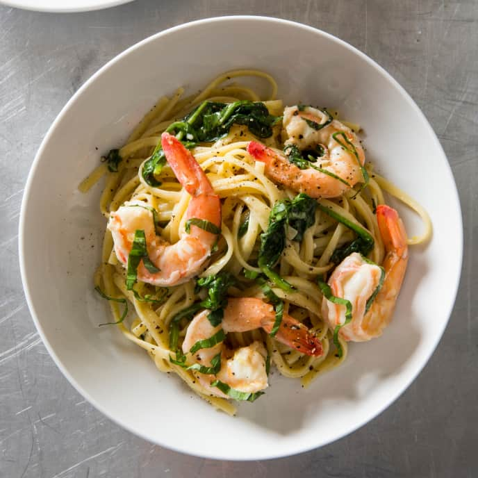 One-Pot Lemony Linguine with Shrimp and Spinach