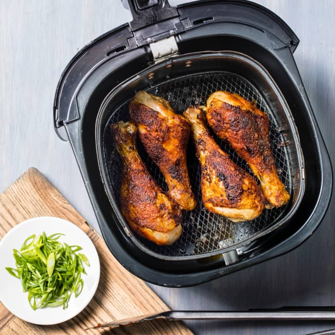Air-Fryer Paprika-Rubbed Chicken Drumsticks