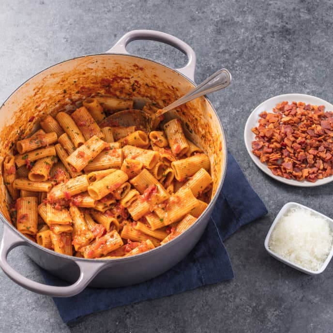 Rigatoni with Tomatoes, Bacon, and Fennel