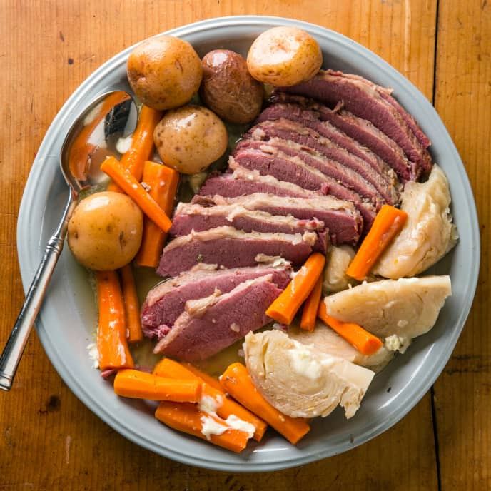 Slow-Cooker Corned Beef and Cabbage Dinner