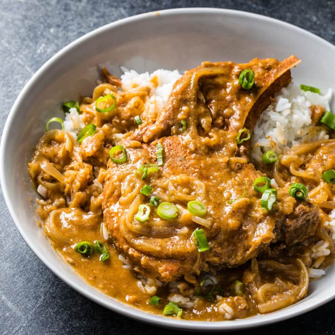 Slow-Cooker Smothered Pork Chops