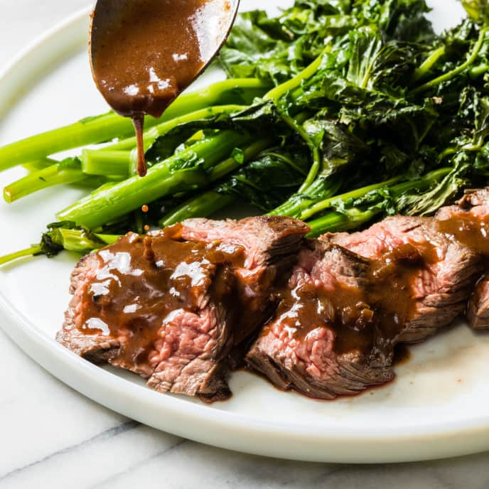 Steak Tips with Red Wine–Shallot Sauce and Broccoli Rabe
