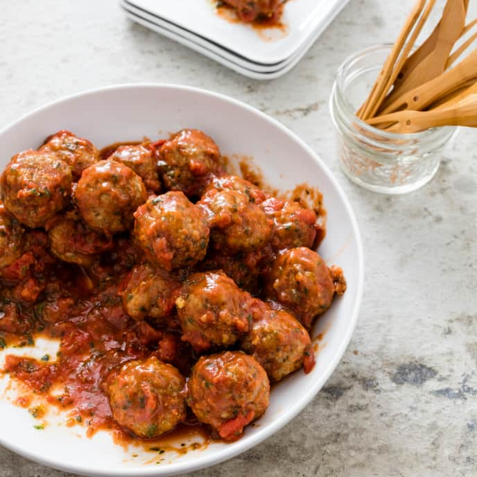 Slow-Cooker Turkey-Pesto Cocktail Meatballs