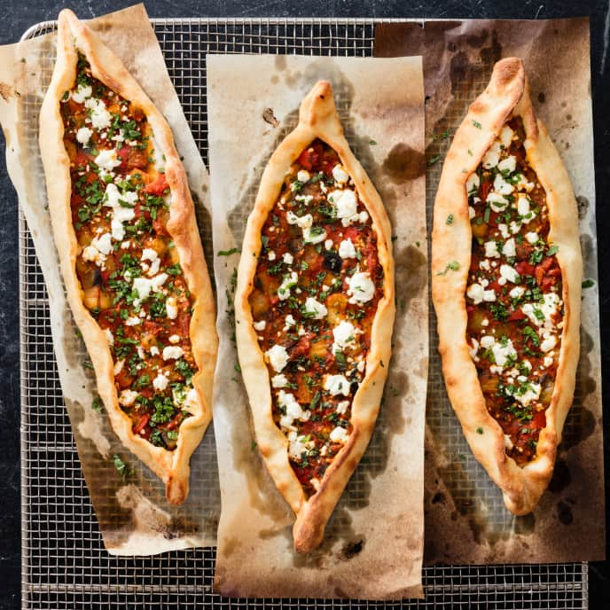 Pide with Eggplant and Tomatoes