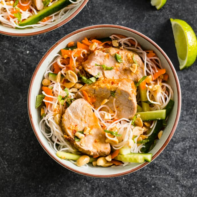 Air-Fryer Vietnamese-Style Rice Noodle Salad with Pork