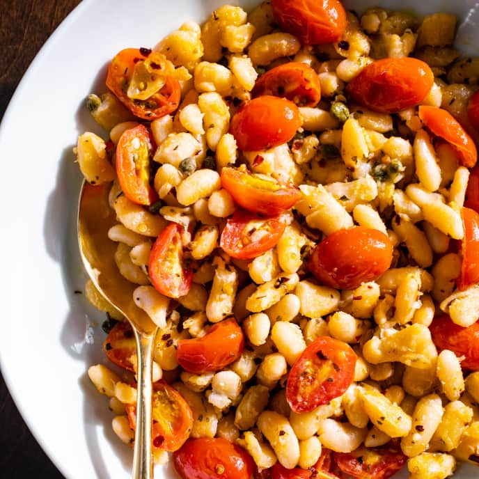 White Beans with Tomatoes and Capers