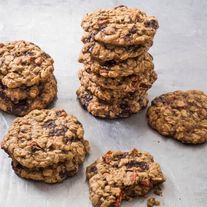 Oatmeal Cookie with Chocolate and Goji Berries