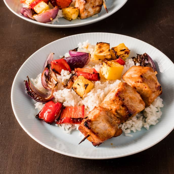 Air-Fryer Polynesian Pork Kebabs with Pineapple and Onion