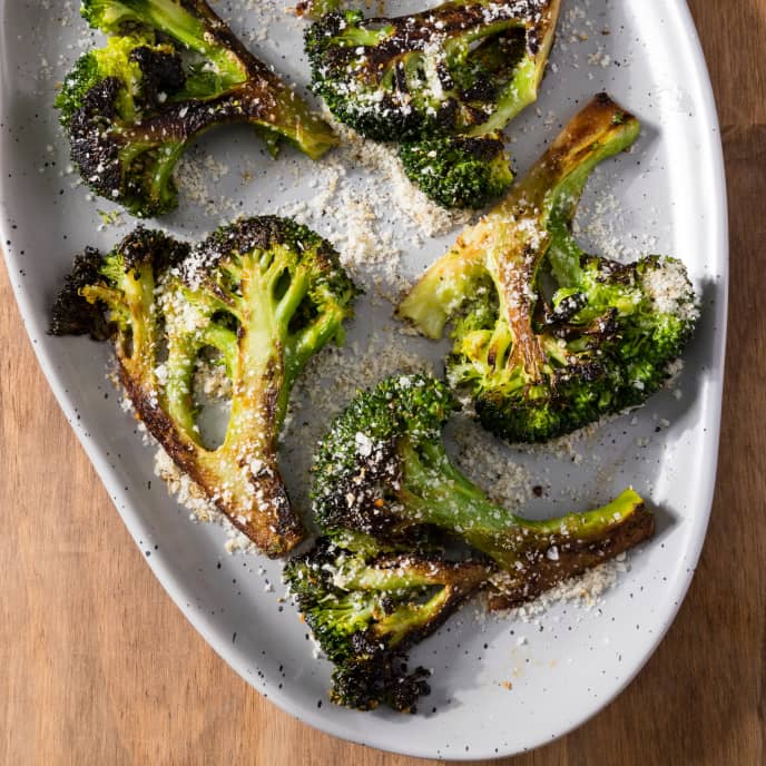 Skillet-Roasted Broccoli with Parmesan and Black Pepper Topping