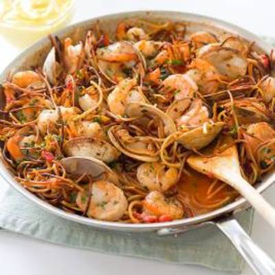 Spanish-Style Toasted Pasta with Shrimp and Clams