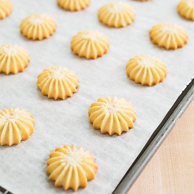 Spritz Cookies with Lemon Essence