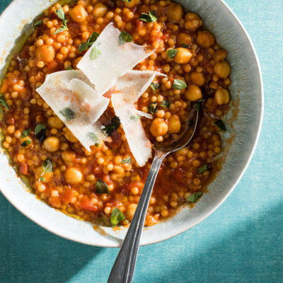 Israeli Couscous with Tomatoes and Chickpeas