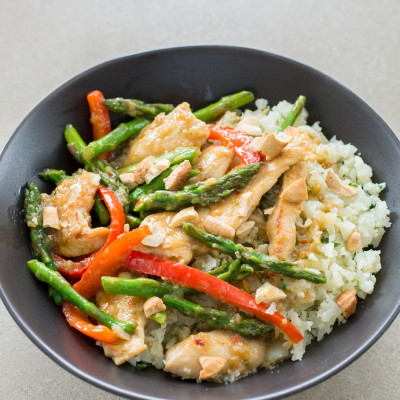 Gingery Stir-Fried Chicken with Asparagus and Bell Pepper