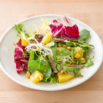 Green Salad with Oranges and Pistachios