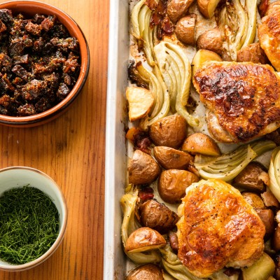 Roasted chicken thighs with potatoes, fennel and figs