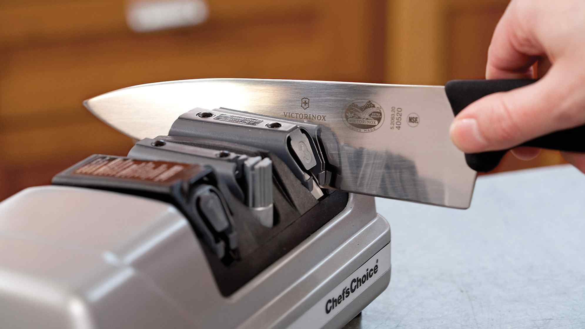How to sharpen the knife correctly