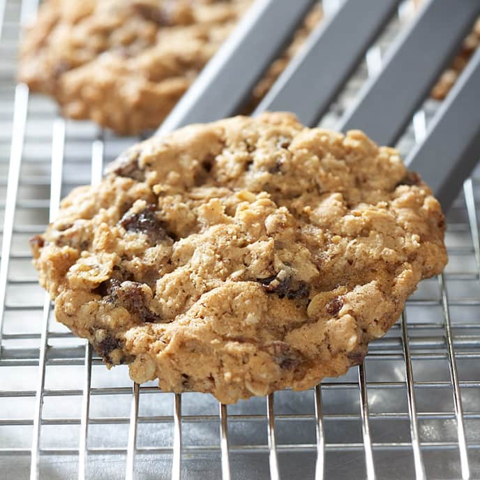 Reduced-Fat Oatmeal Raisin Cookies