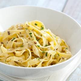 9909 sfs cvr handmade pasta with anchovy and parsley sauce 08