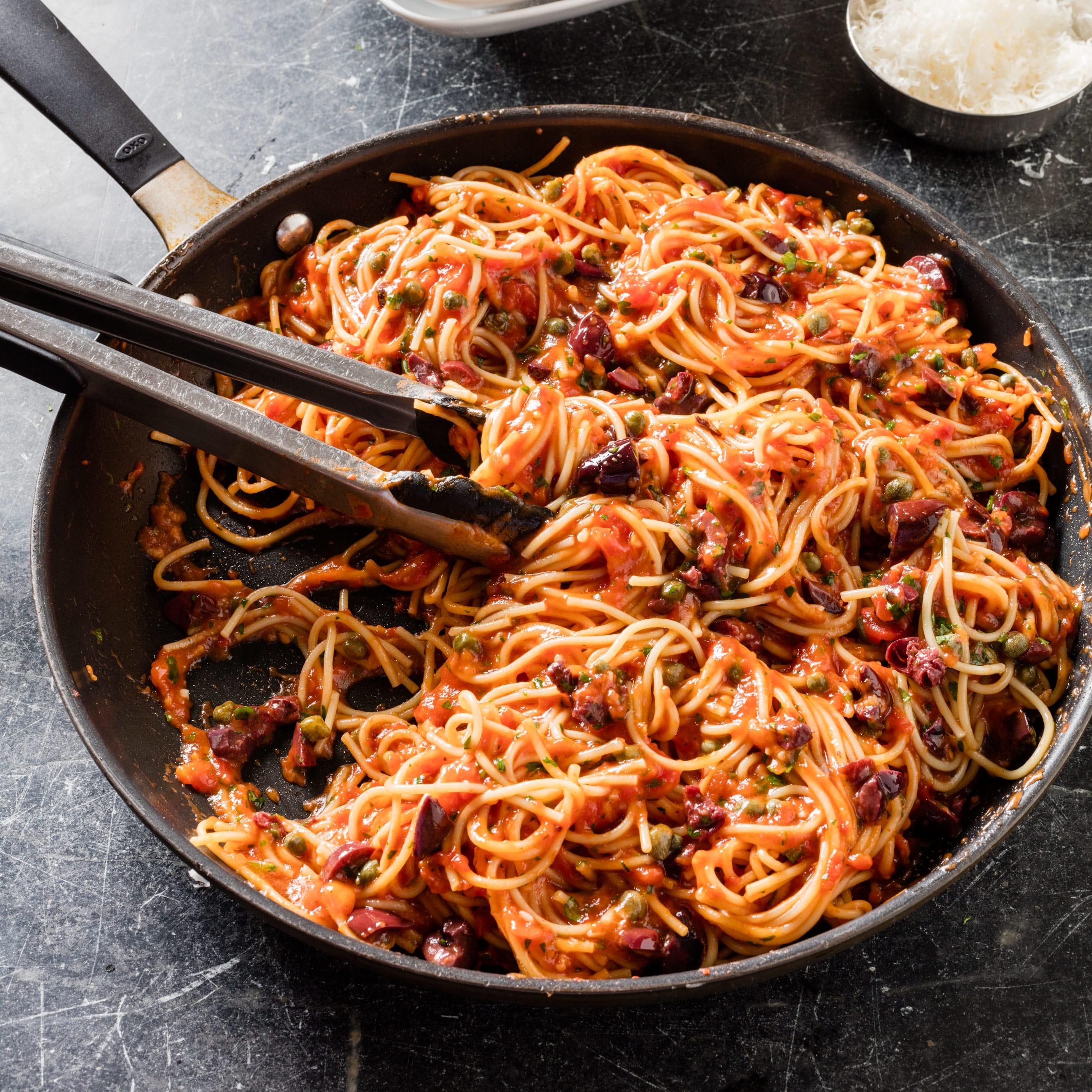 Skillet Pasta Puttanesca