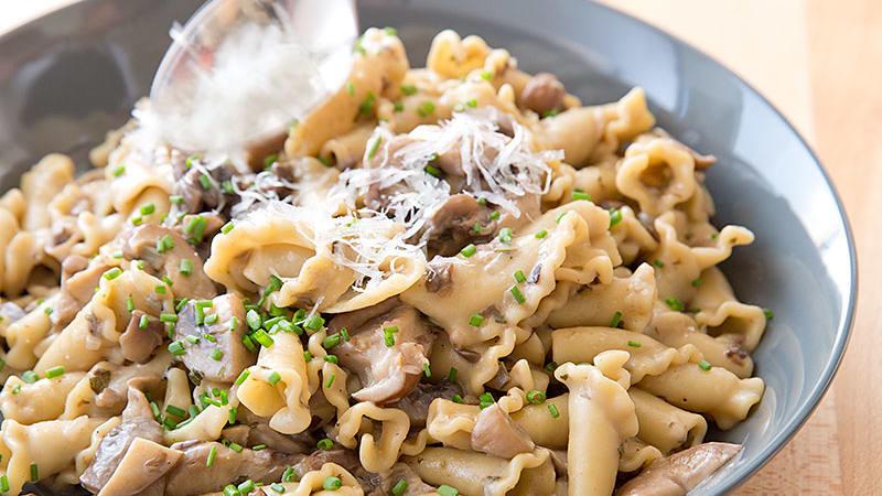 23241 sfs pasta with mushroom sauce 6