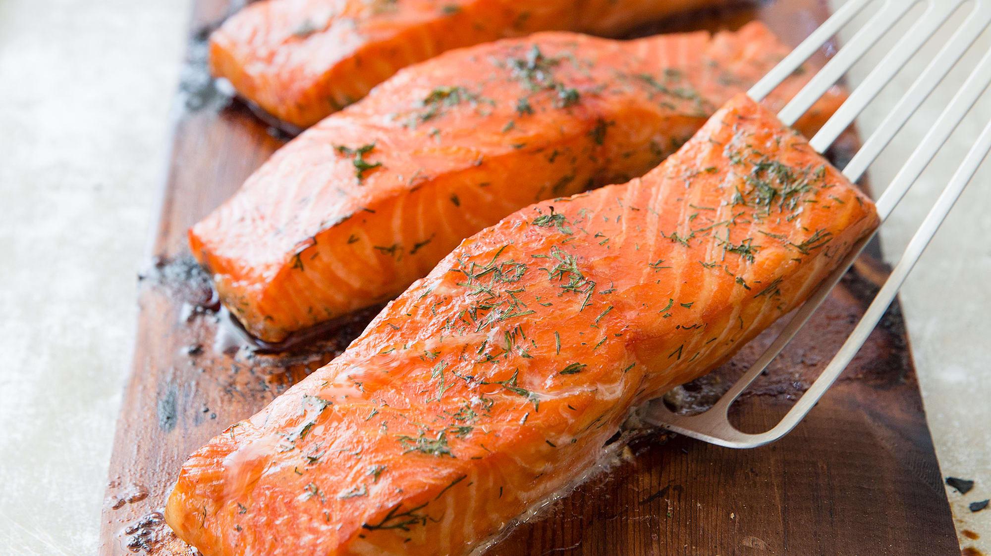 24600 sfs cedar planked salmon 15