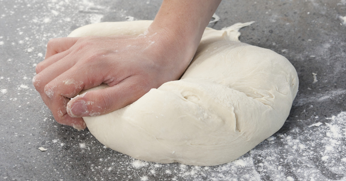 How to make bread dough without a food processor