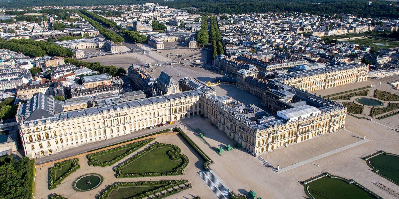 Au delà du château de Versailles, le parcours historique Notre-Dame