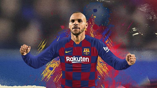 Barcelona%20unveil%20new%20striker%20Martin...