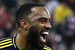 Arsenal win as Man Utd draw with Club...