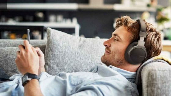 These noise cancelling headphones are just £29.99 – that's music to our ears...