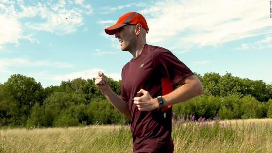 Wearable tech helps this blind runner compete in ultramarathons