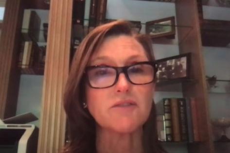 Why Cathie Wood Is Bullish On DraftKings