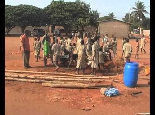 Un puits pour un village du Togo sans eau potable