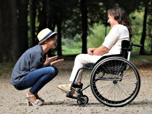 Halte Pouce Tremplin : un soutien éducatif pour les familles qui gèrent le handicap au quotidien à domicile