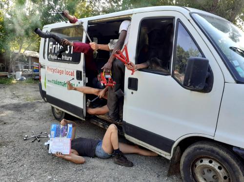 Camion de collecte 100% Huiles Végétales Recyclées